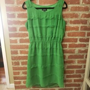 TAHARI KELLY GREEN SCALLOPED DRESS